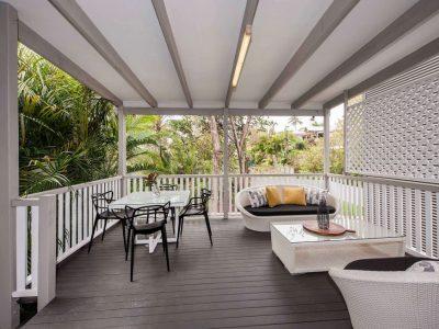 Large deck finesse projects brisbane builders