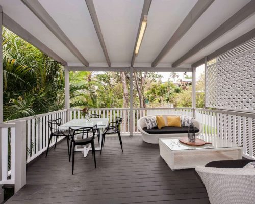 Large deck finesse projects brisbane builders